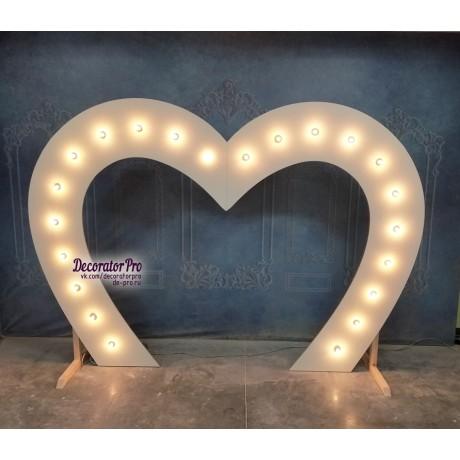 Арка Сердце с лампами